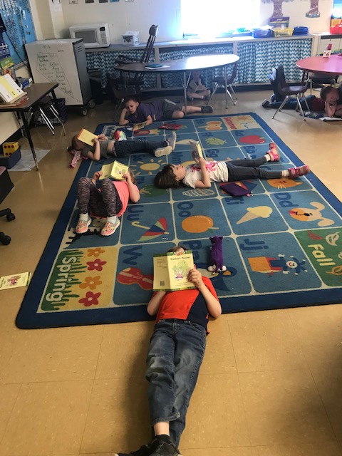 Look at the awesome Kindergarten students reading!
