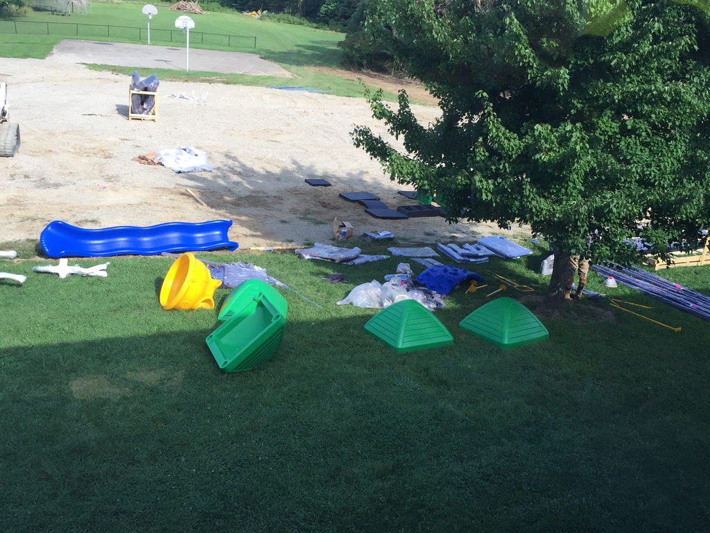 New playground under construction at CNE ES!