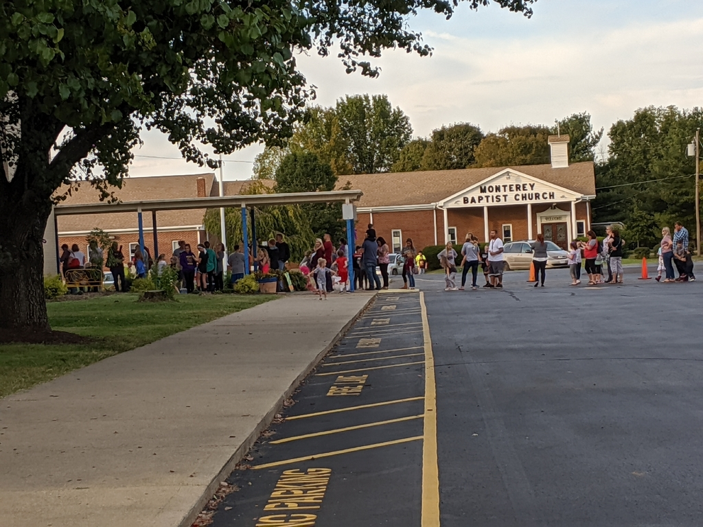 CNE parents and students lined up for a wonderful night.  Go rockets 🚀